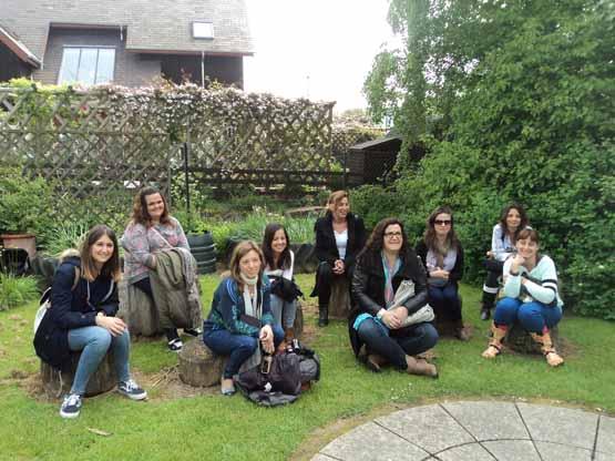 grupo de alumnas y tutores instituto inter