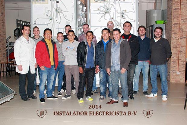 Graduación Electricidad Vivienda