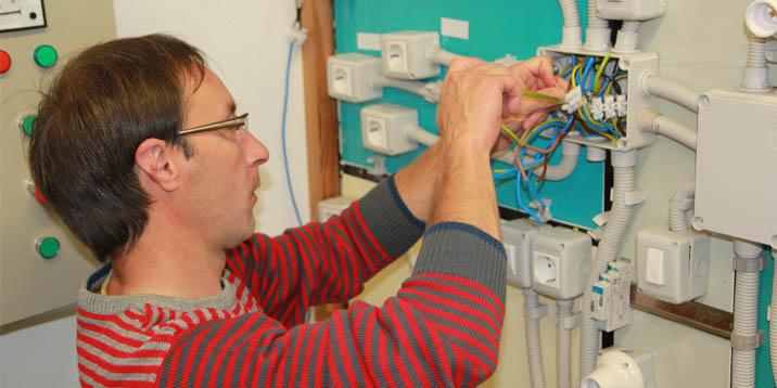 donde estudiar electricidad