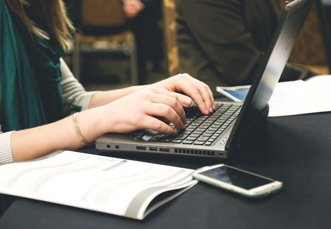 ventaja estudiar traves internet: