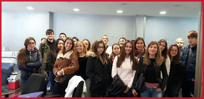 Alumnos INTER en Centro de Transfusión