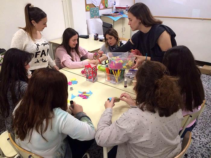 Alumnos INTER Ed. Infantil trabajan con materiales reciclados