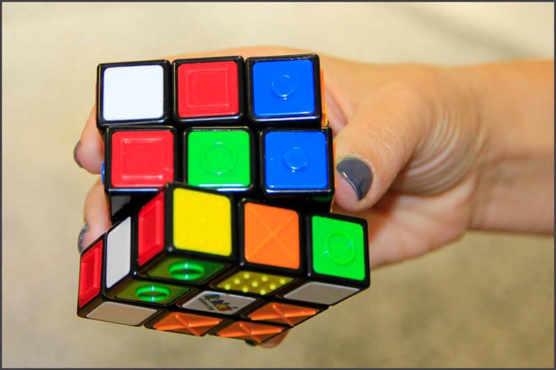 Cubo Rubik para invidentes