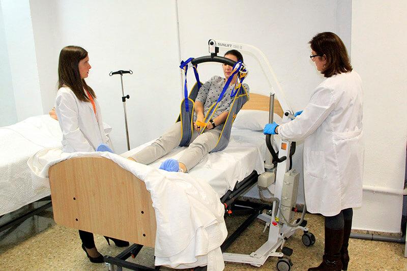Estudiantes de CFGM Auxiliar de Enfermería en Instituto INTER