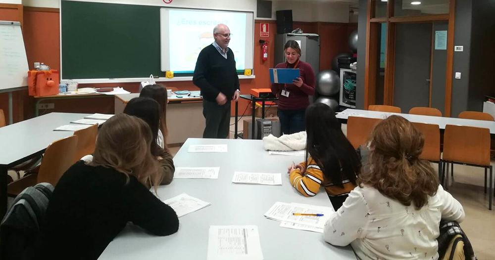 Alumnas INTER Ciclo Ed. Infntil visitan el CEU 2