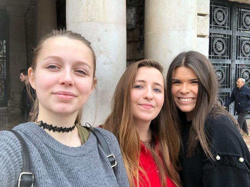 Marina Ramis, Lucía Jiménez y Alicia Leal antes de empezar su viaje Ereamus+ Instituto INTER