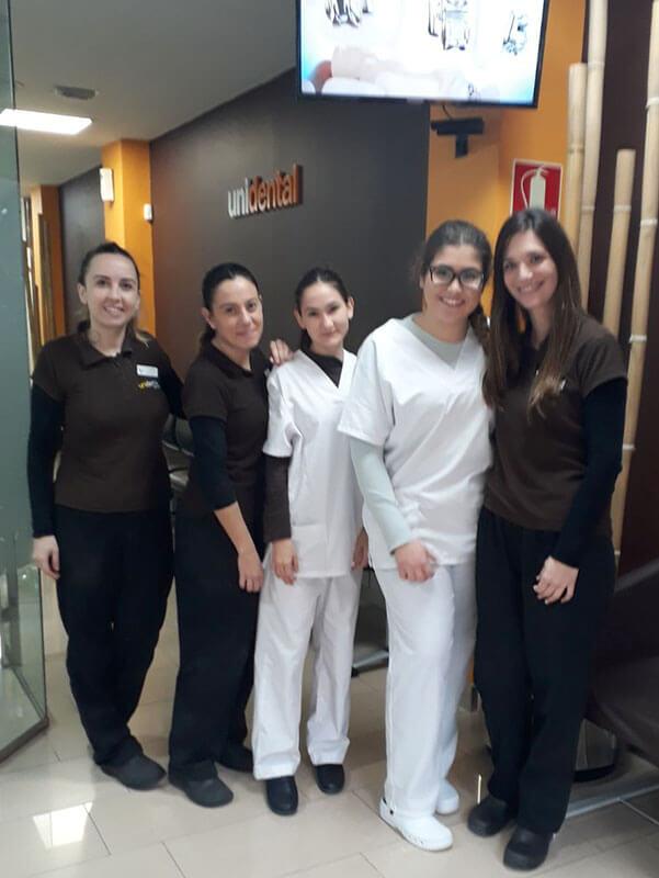 Irene March y Mónica Bellido alumnas CFGM Aux. Enfermería