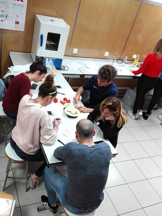Alumnos INTER CFGS Dietética realizando prácticas