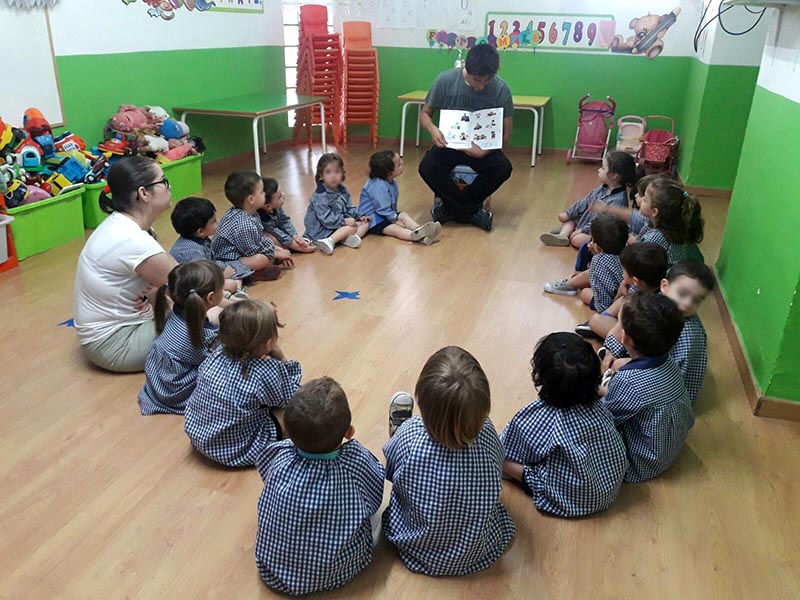 Piero León, alumno Educación Infantil Inst. INTER, en la escuela infantil Els Marinerets