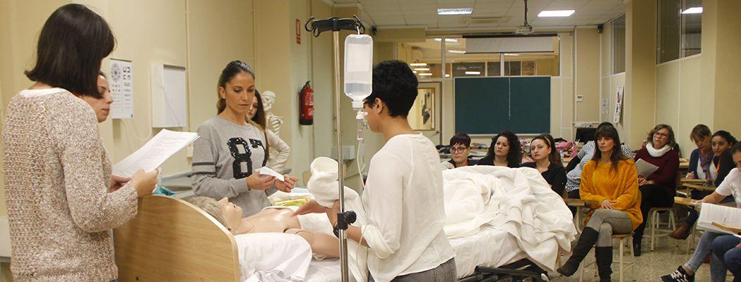 Ciclo Grado Medio Auxiliar De Enfermeria Fórmate Con Los