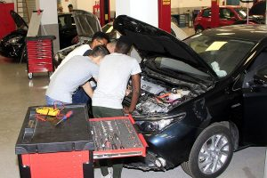 Shooled Course in Mechanical Practice of Cars
