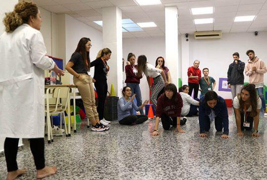 10_Clase práctica de psicomotricidad en CFGS Educación Infantil - Instituto INTER