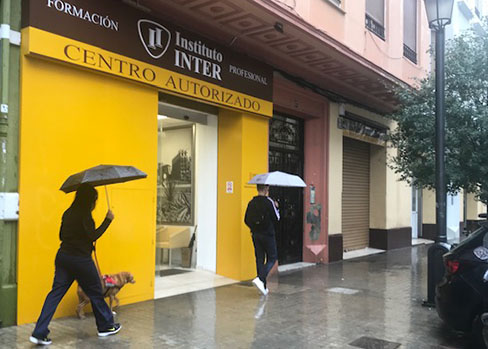 Día de lluvia en Instituto INTER (Gil y Morte 17 )