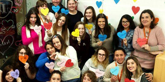 Alumnos CFGS Educación Infantil INTER realizando actividades sobre emociones