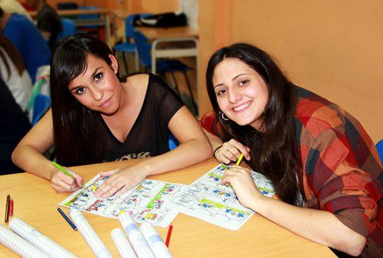 Alumnos CFGS Educación Infantil INTER en clase práctica