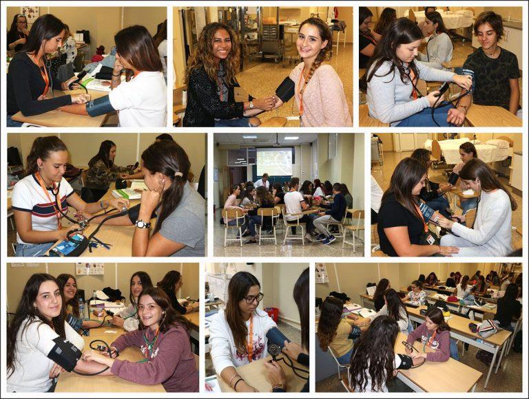 Los alumnos CFGM Aux. Enferm. practican toma de presión arterial 2