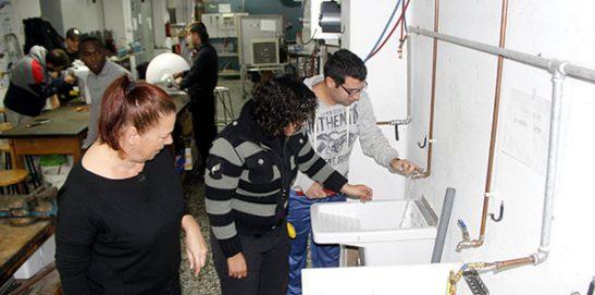 14_Clases Prácticas en taller Fontanería de Instituto INTER