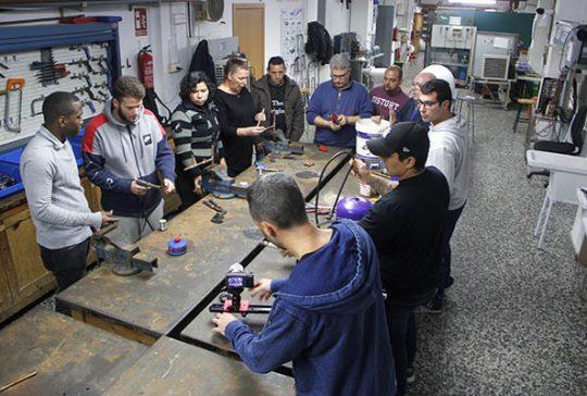 17_Clases Prácticas en taller Fontanería de Instituto INTER