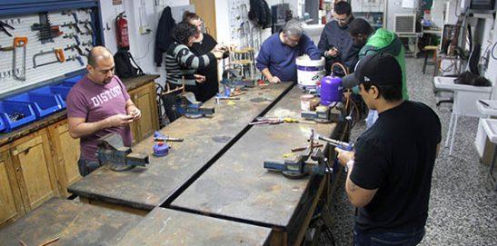 19_Clases Prácticas en taller Fontanería de Instituto INTER