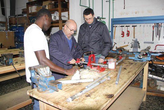 12_Clases Prácticas en taller Fontanería de Instituto INTER