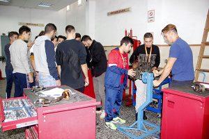 1_Alumnos INTER de CFGM Electromecánica en Taller