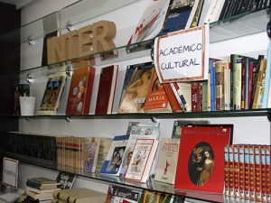 5_Mercadillo literario solidario en INTER