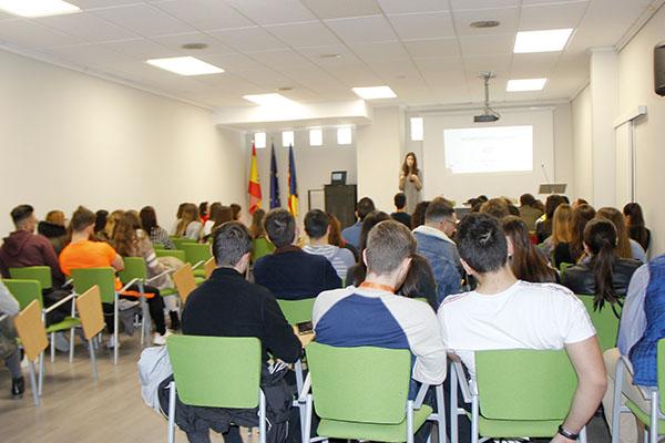 1_Charla Nutirción de Laura Jorge en Instituto INTER
