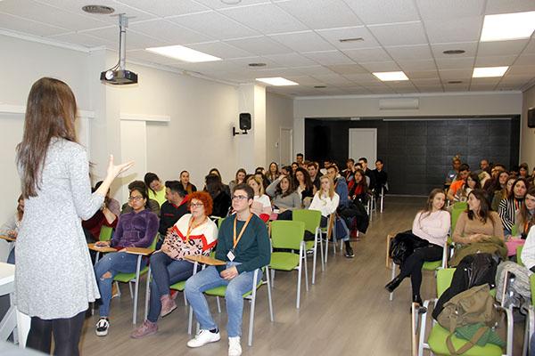 5_Charla Nutirción de Laura Jorge en Instituto INTER