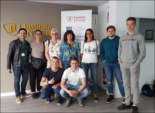 1_Alumnos belgas realizando prácticas INTER