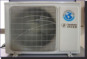Fotografía Unidad externa con carcasa Climatización