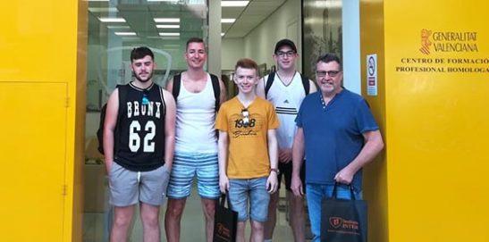 Alumnos de Gales estudian Fontanería en INTER