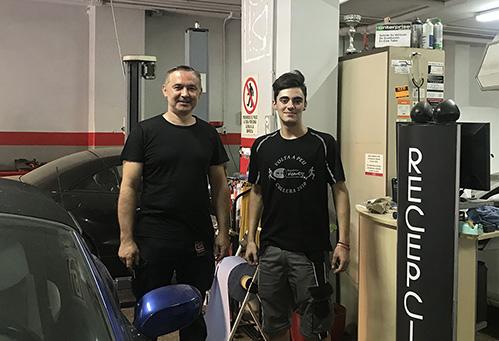 Javier Herrerías, alumno mecánica de I. INTER en el taller mecánico donde ha sido contrado