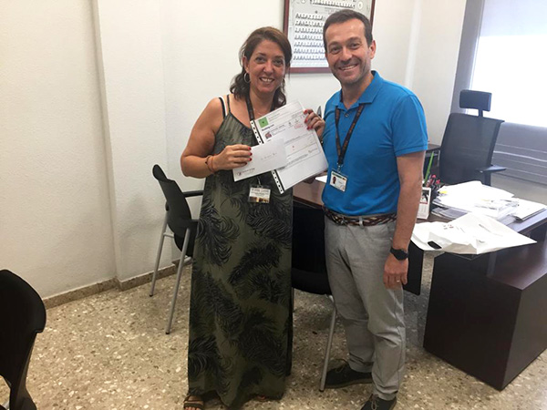 Entrega premio fin de semana a Paloma Martínez de Instituto INTER