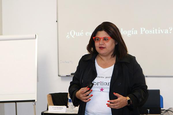 Carmen Soler durante su intervención en Instituto INTER