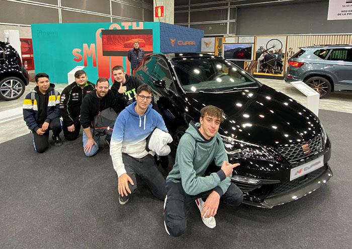 Alumnos INTER de mecánica del Automóvil en la Feria de Muestras Valencia