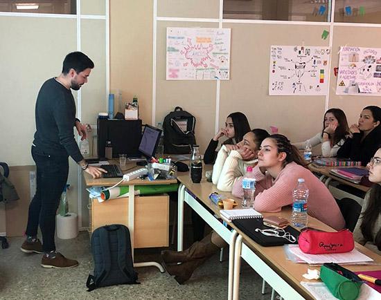 3 Charla de odontólogos en Instituto INTER