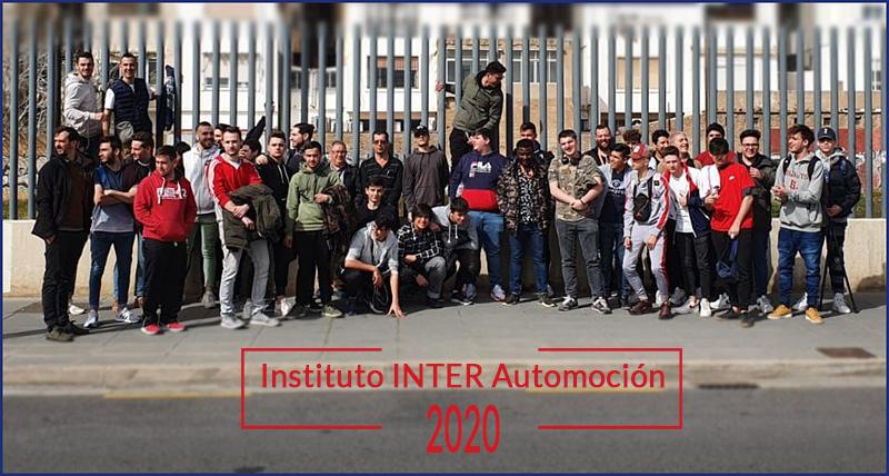 Alumnos Instituto INTER de Automoción visita base militar_2
