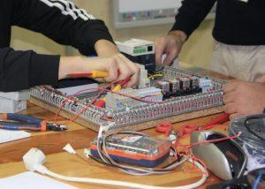 Curso de Electricista de Edificios y Electricidad Industrial (Autómatas)