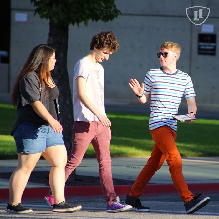 Adolescentes paseando